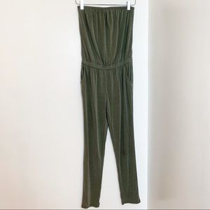 Old Navy strapless jumpsuit  Petite // women